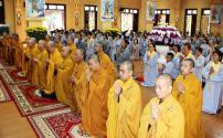 An lạc Pháp hội Dược Sư đầu năm tại chùa Phổ Quang