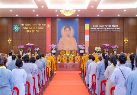 Bế mạc khoá huân tu tập trung của chư tôn đức lãnh đạo Phật giáo thành phố